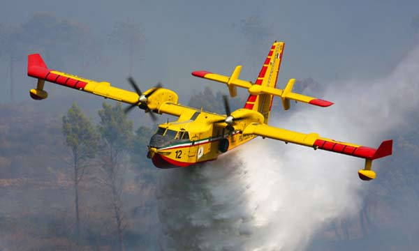 avion Italeri Canadair CL-415